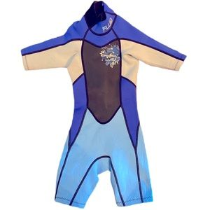 Wet suit size 4 years